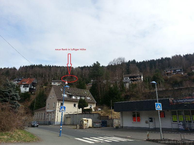 Bank unten vom Dorf